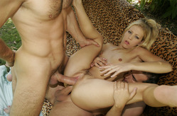 Leah Luv plays with 2 cocks