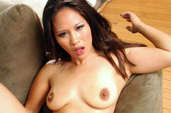 This amateur Asian pussy never saw such a long dick, Sc&egrave;ne 5