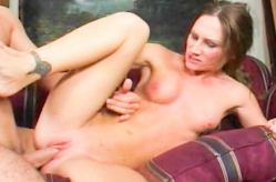 Young Gagging Slut, Scène 3